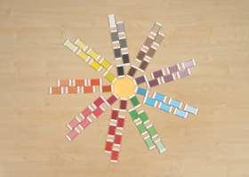 63 Farbtäfelchen im Holzkasten
