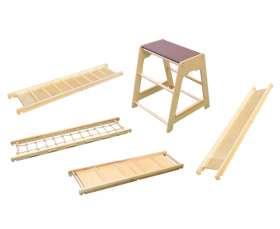 EDUPLAY Balancier-Set 6 aus Podest, Seilbrücke, Rutsche, Laufbrett und Taktilbrett