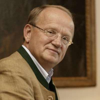 Mitschke-Collande, Thomas